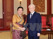 Party General Secretary welcomes Lao Party officials