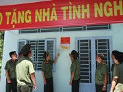 Binh Phuoc: S'tieng ethnic families receive charity houses