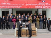 Vietnam presents security equipment to Laos