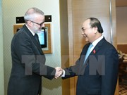 PM hopes for UK magazine's continued cooperation with Vietnam