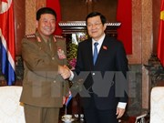 President Truong Tan Sang welcomes DPRK defence leader