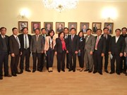 Hanoi fosters ties with Prague