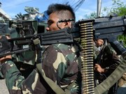 Philippine army clashes with kidnappers