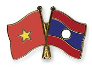 Lao officials pay Tet visit to Nghe An
