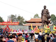 Deputy PM attends opening of Dong Da festival