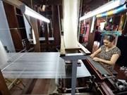 Van Phuc silk looks to stretch