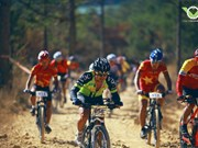 Int'l cycling championship kicks off in Da Lat