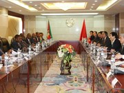 President holds talks with Mozambican counterpart