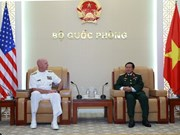 Vietnamese General receives US Commander