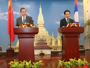 Chinese Foreign Minister active in Laos