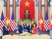 Vietjet, Boeing sign 11.3-billion-USD contract