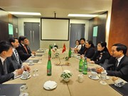 Vietnam strengthens links with Italy's communist parties