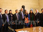 Vietnam, UK enhance legislative ties