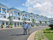 Property sales to foreigners grow