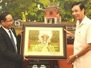 Hanoi leader receives Lao president of trade union federation
