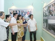 Photo exhibition on General Giap opens in Hanoi