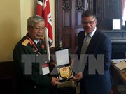 UK eyes stronger defence links with Vietnam