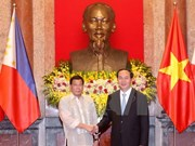 Philippine President pays official visit to Vietnam