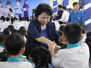 Can Tho: Children receive free milk, scholarships