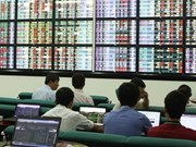 Global uncertainty drags down shares