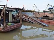 Hanoi, neighbouring localities join hands to ensure waterway security