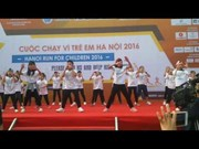 Thousands join Hanoi Run for Children 2016
