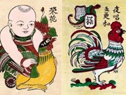 Souvenirs with rooster images attract buyers on Lunar New Year