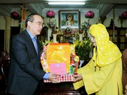 Fatherland Front leader extends New Year wishes to Buddhism