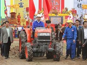 President prays for good crop at ploughing festival