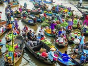 Floating market – A must see place in Mekong Delta