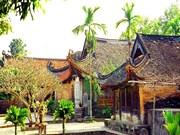 Centuries-old pagoda stuns pilgrims