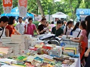 Hanoi tosses and turns to popularise Book Street