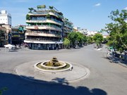 Hanoi streets deserted in record temperature