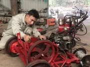 Young peasant inventor eases farmers' hardship