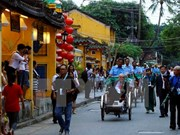 Vietnam strives to lure more tourists from APEC members