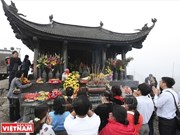 Yen Tu spring festival lures visitors