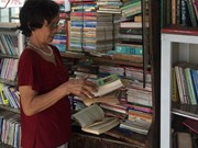 Free bookstore attracts bookworms