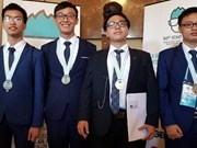 Vietnamese students win golds at Int'l Olympiads