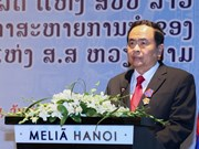 Lao Freedom Order presented to Vietnamese officials