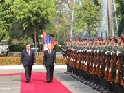 Vietnamese Party, State leader welcomed in Laos