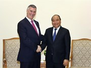 Prime Minister Phuc receives Boeing leader