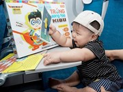 Young passengers welcome Mid-Autumn festival on VNA flights