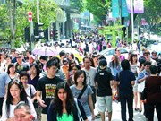 Singapore's yearly population rises 1.2 percent