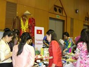Tea party strengthens links among female diplomats in Laos