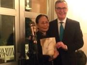 Vietnamese poet Y Nhi receives Swedish award