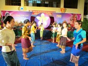 Lao students enjoy traditional New Year in Dien Bien