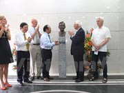 Late Swedish PM Olof Palme' statue inaugurated in Vietnam