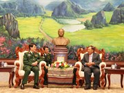 Lao Party General Secretary speaks of military cooperation with VN