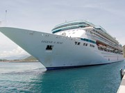Cam Ranh International Port welcomes first cruise ship