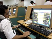 Late buying lifts stocks for second day